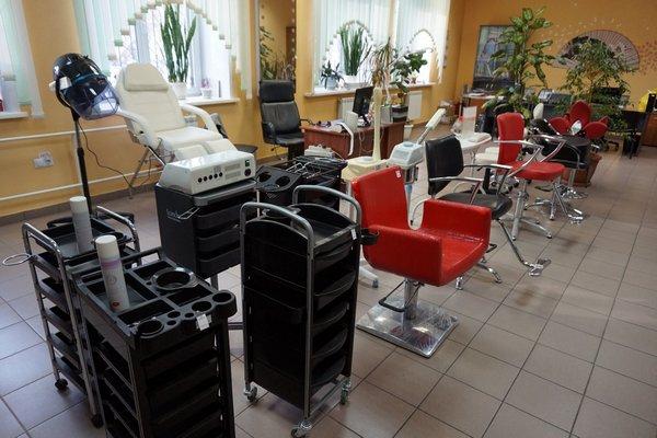 Картинки по запросу Оборудование и косметика для салонов красоты